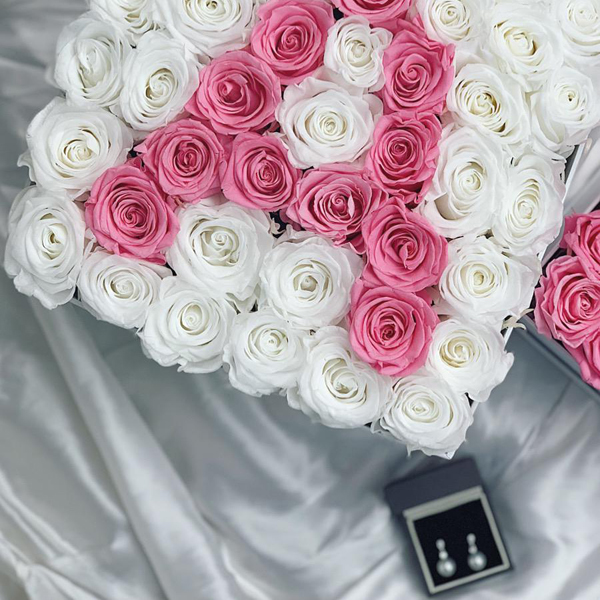 White and pink infinity roses letter A
